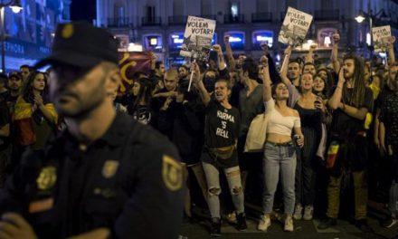 """Światowa prasa podzielona ws. referendum w Katalonii. """"La Repubblica"""": """"Przegrali wszyscy, włącznie z Europą"""""""