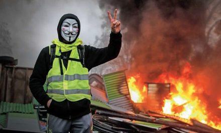 """Polscy kierowcy zaatakowani we Francji przez """"żółte kamizelki"""""""