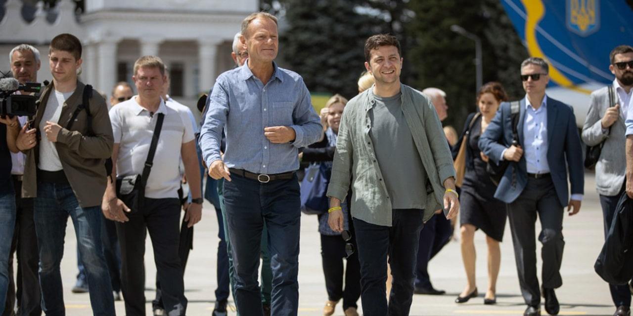 Zełenski i Tusk odwiedzili pozycje wojsk ukraińskich w Donbasie